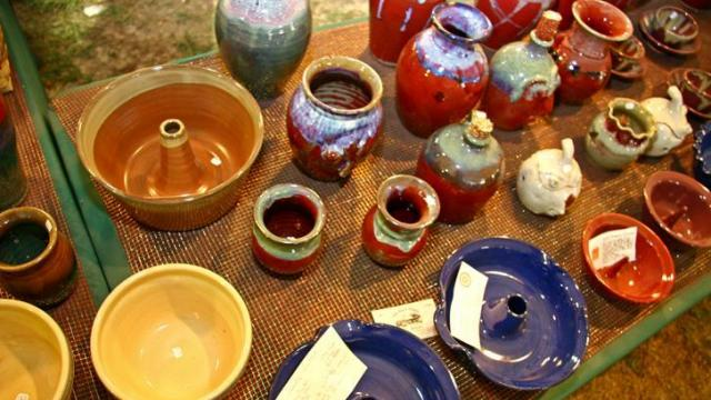 The 26th Annual Seagrove Pottery Festival took place November 17th and November 18th at the Seagrove School in Seagrove, NC. The festival, which is one of the only times during the year when all local potters come together to sell their pieces at one place, includes pottery and other crafts.