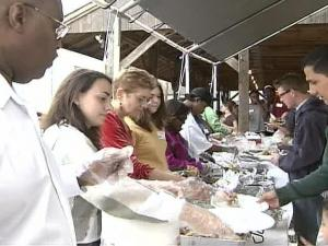 For 33 years, Durham Rescue Mission volunteers have served up Thanksgiving dinners with all the fixings.