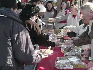 Volunteers are preparing a Christmas dinner for many in need in the Triangle.