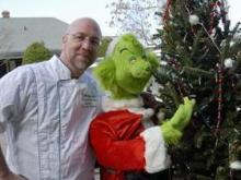YouTube-Chastened Thieves Give Back Grinch