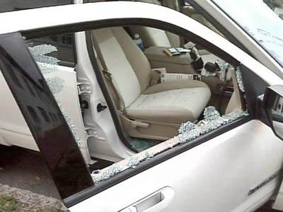 vehicle break-in, car break-in, theft from car, theft from vehicle, smashed window