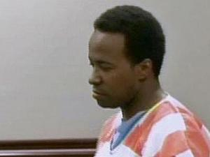 Robert Reaves appears in Wake County District Court Monday, Feb. 4, 2008, on a charge of first-degree murder in connection with the death of Latrese Curtis.