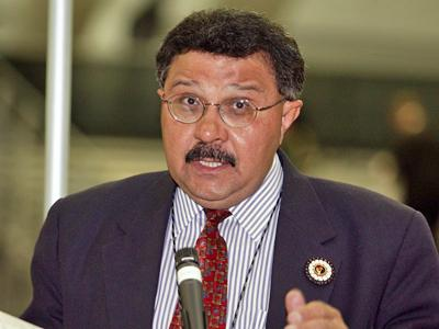 Sam Wynn addresses the United Methodist Church's 2004 General Conference in Pittsburgh. (photo courtesy of the United Methodist Church's web site.)