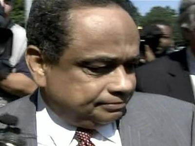 Glenn Maynor, a former Robeson County sheriff. leaves the federal courthouse in Raleigh on June 19, 2008, after being sentenced to prison on corruption charges.