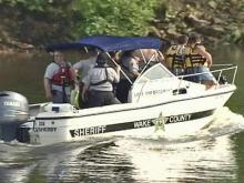 Man drowns in Falls Lake