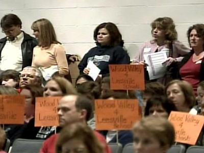 Some parents of Leesville Road Middle School students strongly against converting from a traditional calendar to a year-round schedule voiced their concerns Monday evening at a public meeting.