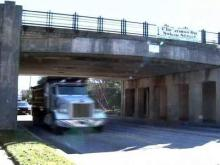Apex drivers, leaders worried about railroad bridge
