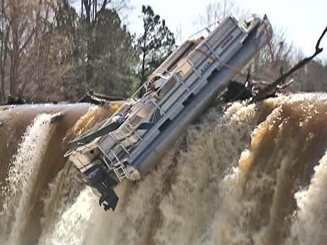 Stuck Pontoon Boat Survives Tar River