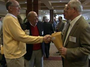 With private-sector jobs in scarce supply, more contractors are turning to the public sector in an effort to drum up business. Many say they attended the 28th annual State Construction Conference Tuesday to make contacts and get inside knowledge in how to get government contracts.