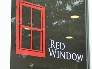 Elizabeth Edwards opens Chapel Hill furniture store