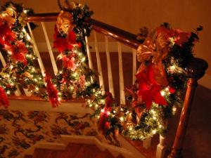 Even the staircase has decorations.