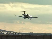 Planes make windy landings at RDU