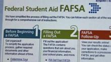 IMAGE: Experts to help complete college financial aid forms