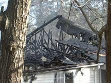 Fire destroys Raleigh apartments