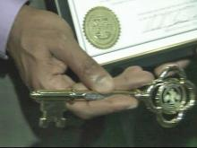 Good Samaritans get key to city