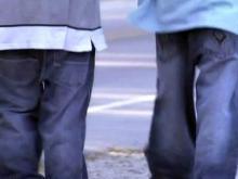 Town wants to ban saggy pants