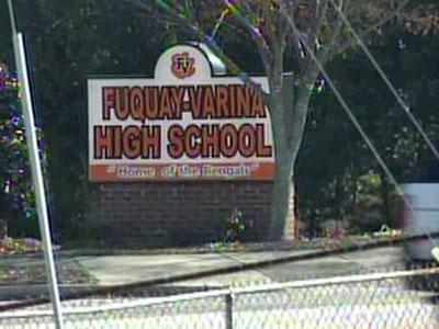 Police investigating alleged bomb threat at Fuquay-Varina High School :: WRAL.com