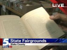 Wake libraries throw book sale