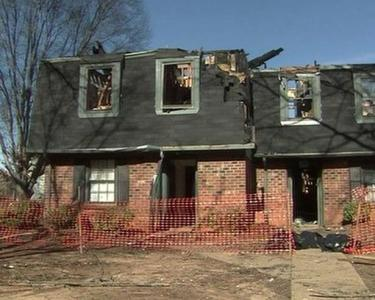 10 townhomes were left uninhabitable by a fire early on Christmas Day at the Green Castle Apartments in Raleigh.