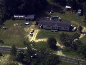 Sky 5: Body found in Fayetteville yard