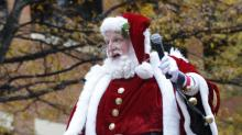 IMAGES: 2013 WRAL-TV Raleigh Christmas Parade