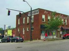 Glenwood South restaurant hopes to keep its signs