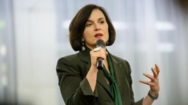 Minneapolis Mayor Betsy Hodges talks about violence during a community forum. (Photo by James Robinson/Fayetteville Observer)