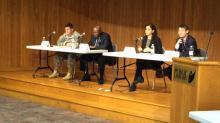 IMAGE: Bragg, community brainstorm on improving schools