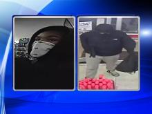 RAW: Suspects rob Fayetteville convenience store