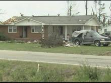 Humor helps Dunn couple through hard year after 2011 tornado