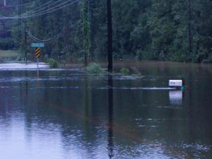Heavy rain floods roads around Cumberland, Harnett counties