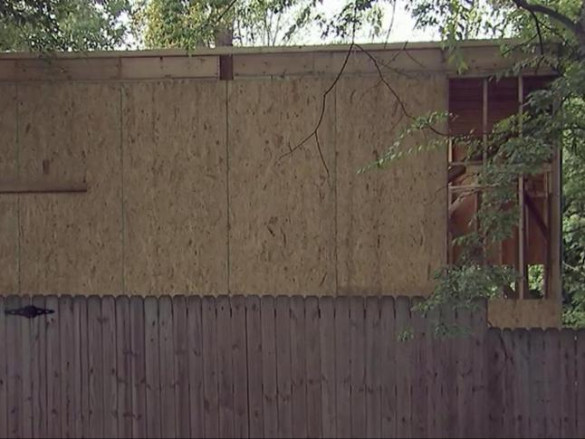Raleigh homeowners blame city for garage mahal wral solutioingenieria Gallery