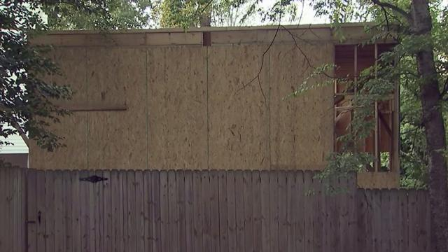 Raleigh homeowners blame city for garage mahal wral solutioingenieria Images