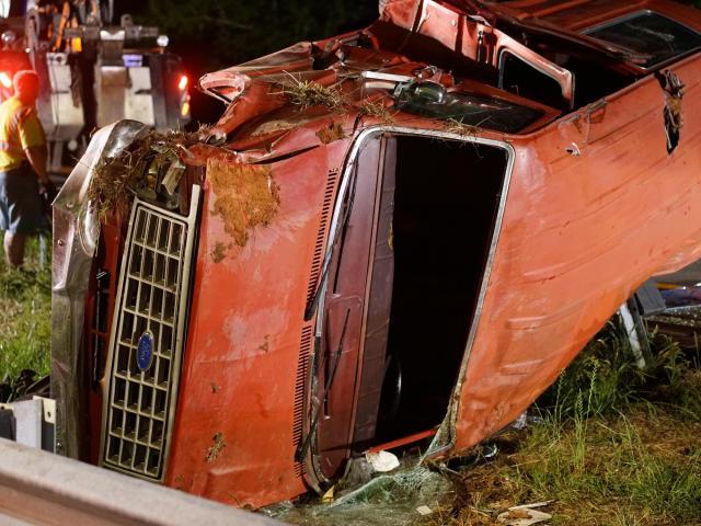 12 injured in Sanford wreck involving church van