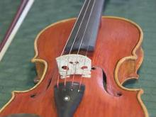 Fiddle maker Mikes puts passion in his fiddles