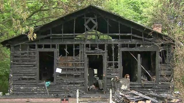 Authorities investigate Oxford fire that killed 4