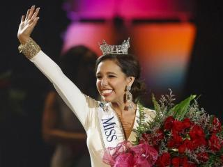 Robeson County woman crowned Miss North Carolina