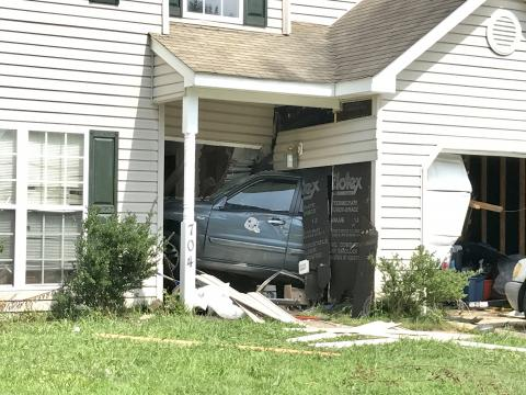 Car crashes into northeast Raleigh home