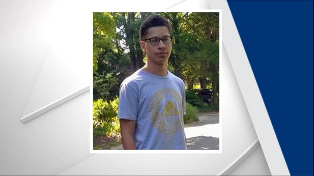 Chapel Hill police are seeking public assistance in locating a missing 17-year-old boy.