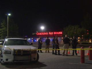 2 shot in parking lot of Fayetteville restaurant, police say