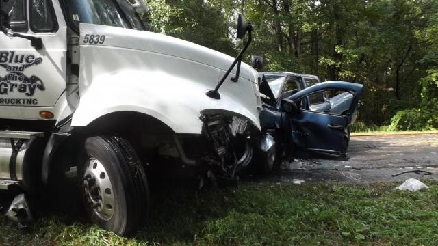 Moore County man killed in 2-vehicle wreck on US 15-501