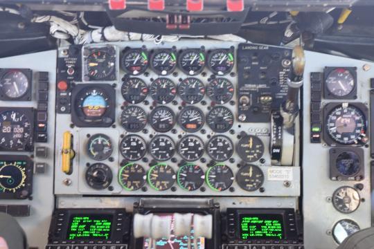 KC-135 refueling an F-15