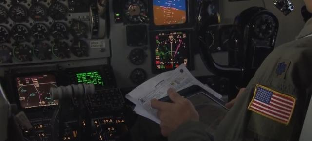915th Air Refueling Wing fuels military planes