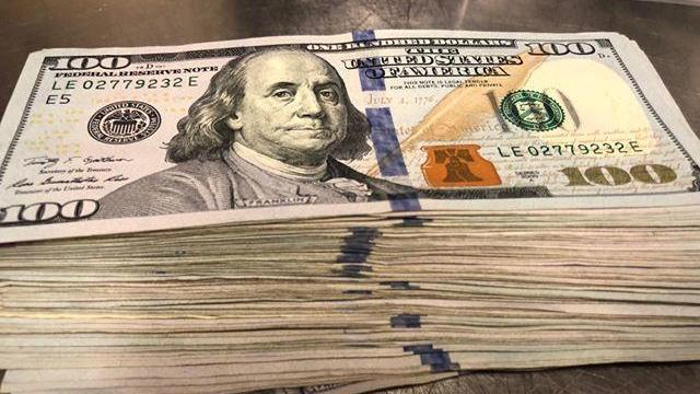 Man orders 2 waters at Greenville hot dog joint, leaves $10,000 tip