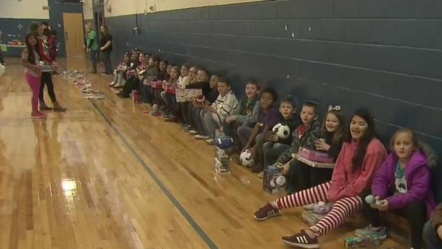 Franklin County man gifts hundreds of toys to children