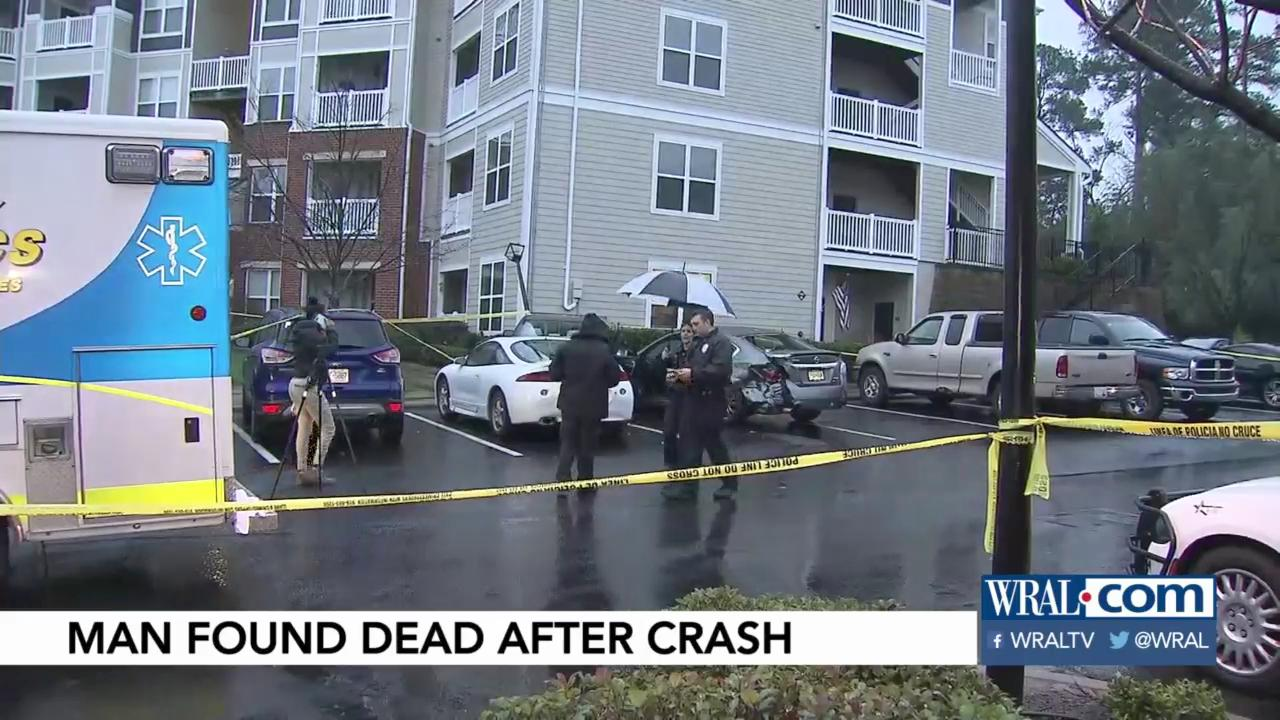 Man Found Dead Inside Car In Durham Apartment Parking Lot Wral Com