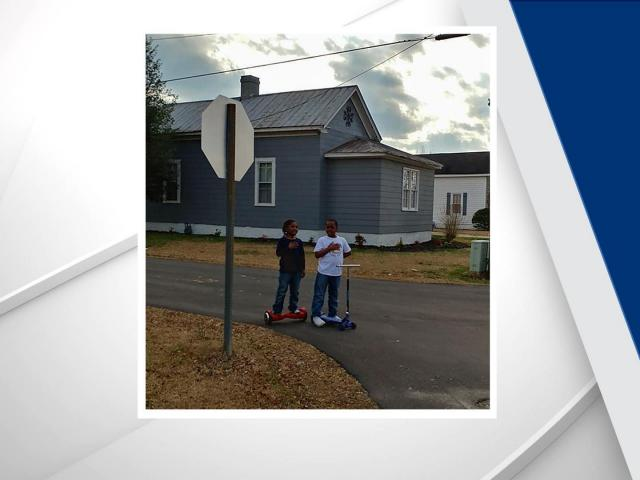 Act of patriotism caught on camera as boys stop, say pledge outside Roseboro fire station