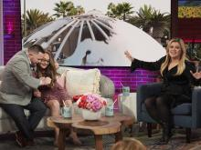 Heartwarming couple reunited on 'The Kelly Clarkson Show'