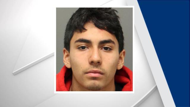 Roberto Mora-Munoz, Raleigh car theft and crash