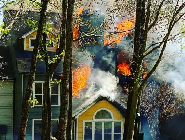 Raleigh apartment fire causes heavy damages